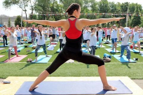 mezhdunarodnyy-den-yogi01