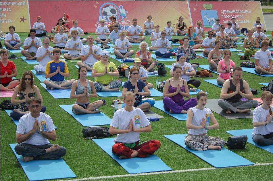 mezhdunarodnyy-den-yogi02
