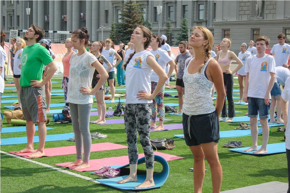 mezhdunarodnyy-den-yogi03