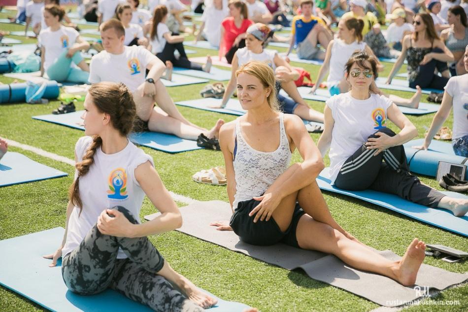 mezhdunarodnyy-den-yogi12