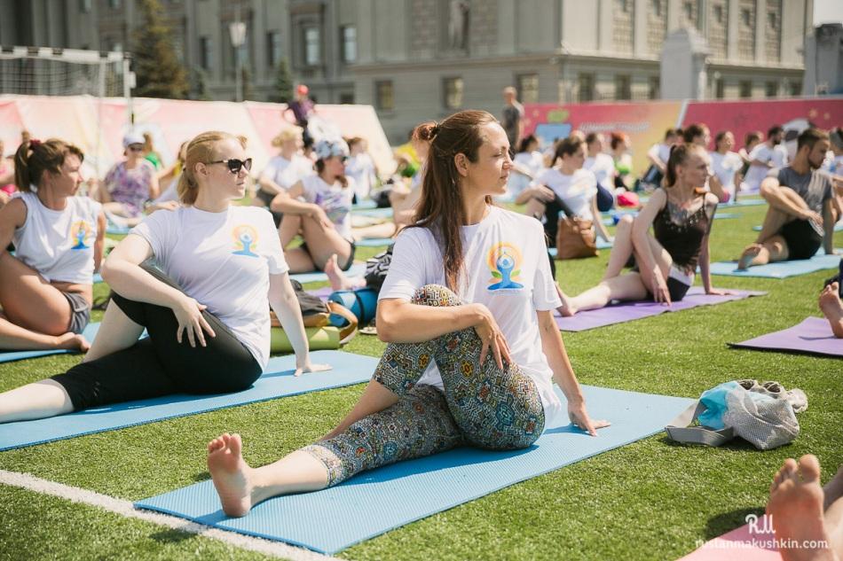mezhdunarodnyy-den-yogi13
